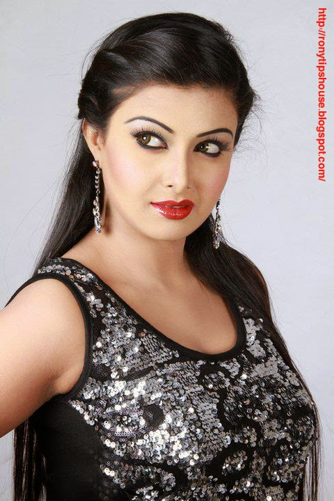 All Actress Biography And Photo Gallery : Barsha