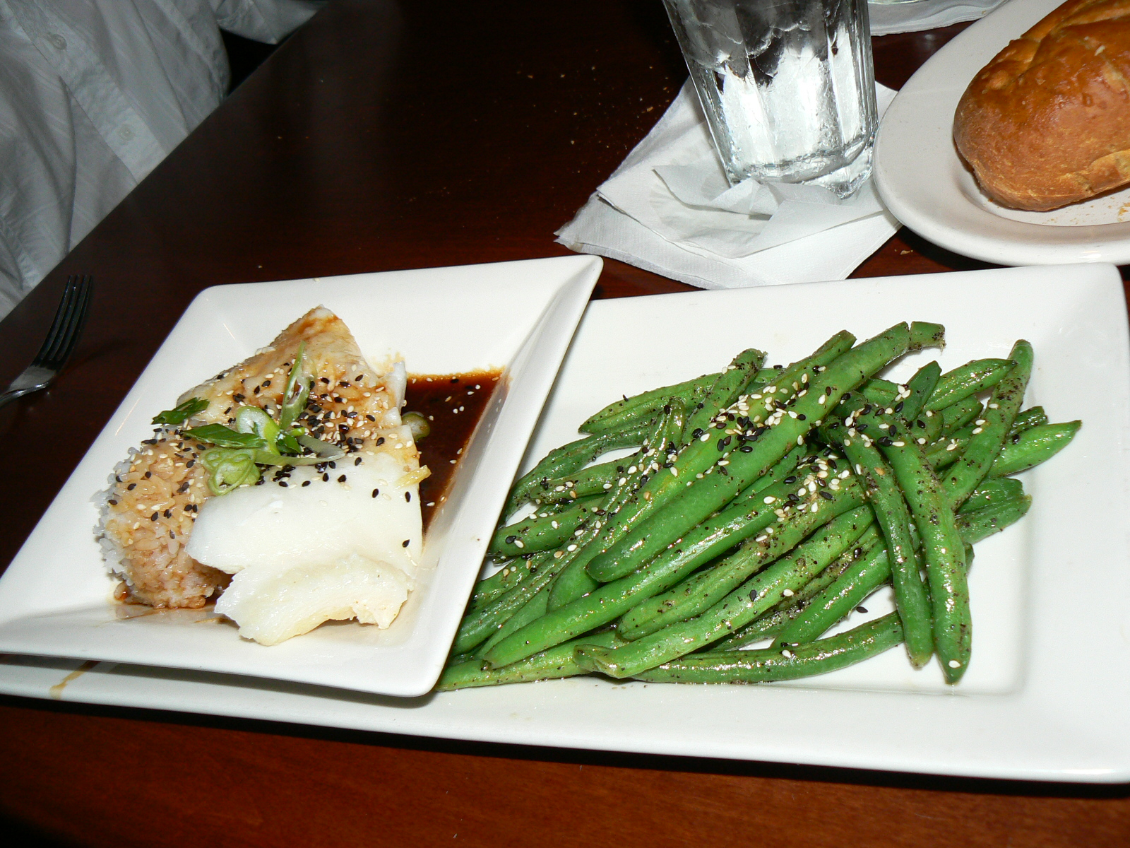 Flavorful excursions dinner at mitchell 39 s fish market for Mitchells fish market newport