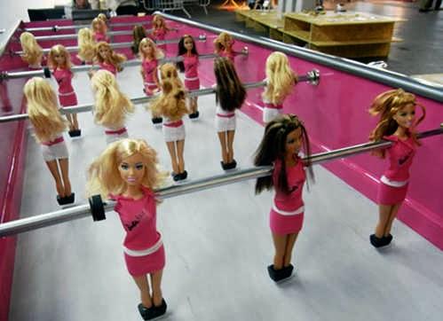 Bàn banh bàn búp bê Barbie