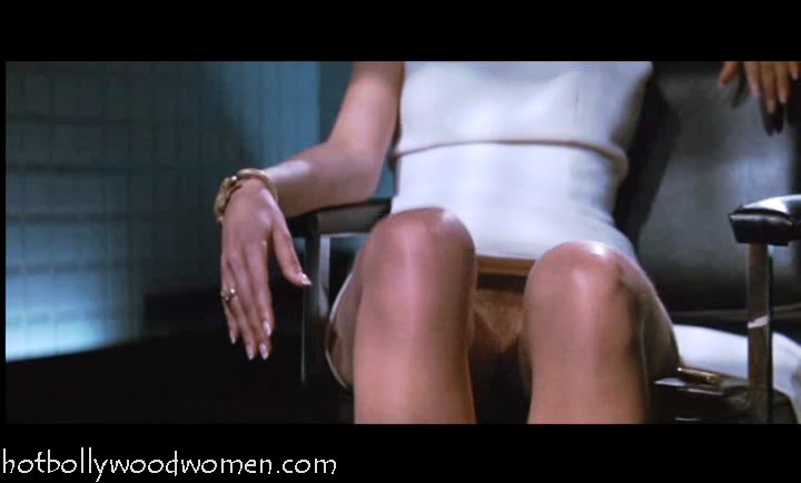 actually visible in Basic Instinct ? Here are Sharon Stone crotch