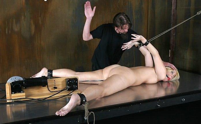 Flagellation douloureuse et fesse - Pornodrometv