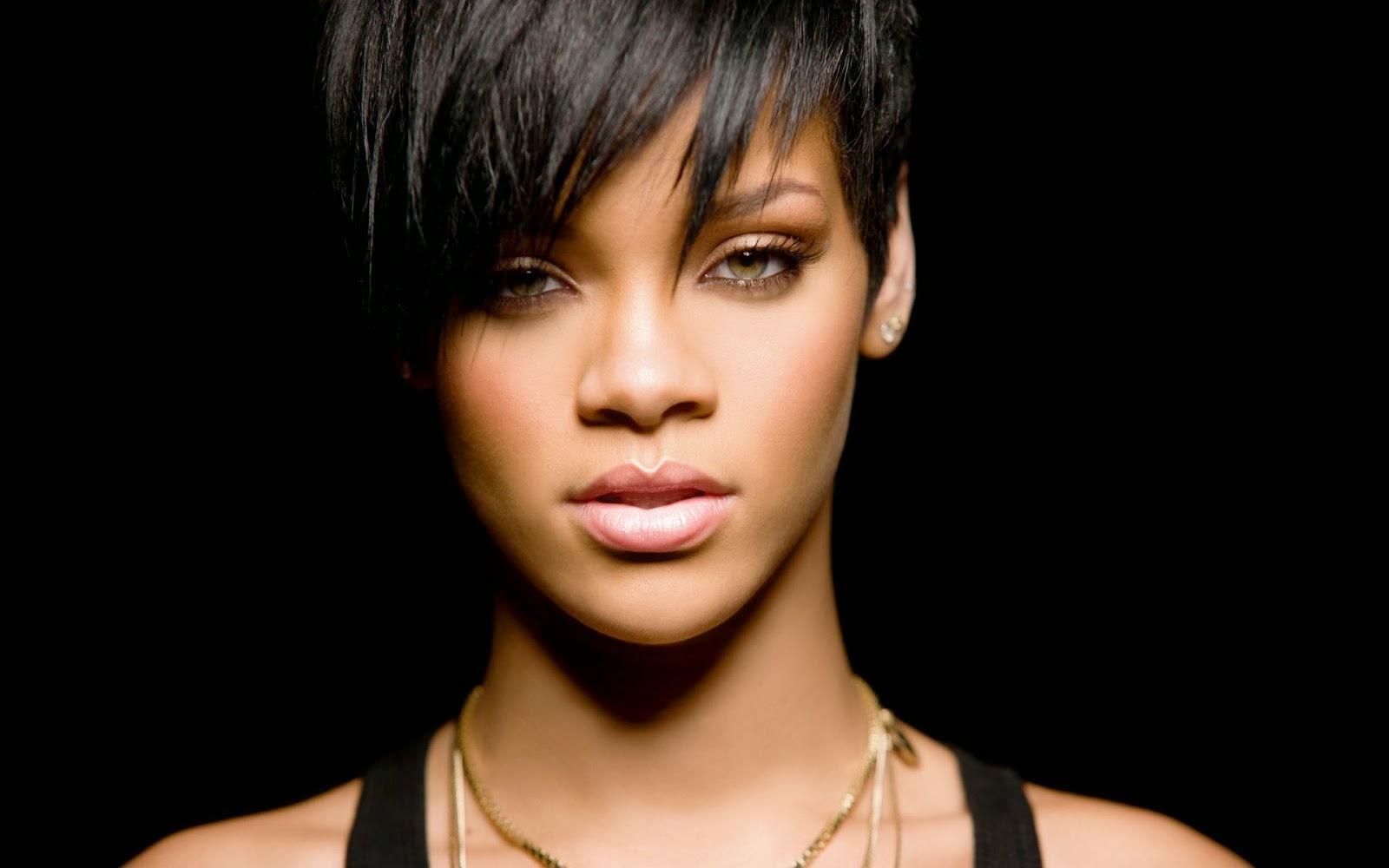 Profil dan Biografi Lengkap Rihanna