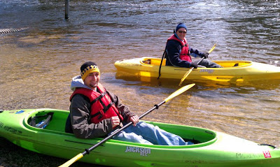 Kayaks and paddles design types for dummies she 39 s so for Best fishing kayak under 400