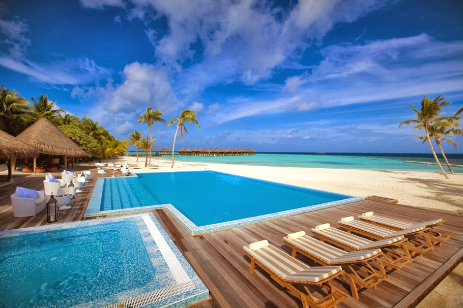 passion for luxury maafushivaru resort in maldives. Black Bedroom Furniture Sets. Home Design Ideas
