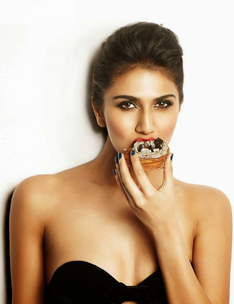 Sexy-Vaani-Kapoor-FHM-India-Magazine-2014-photo-1