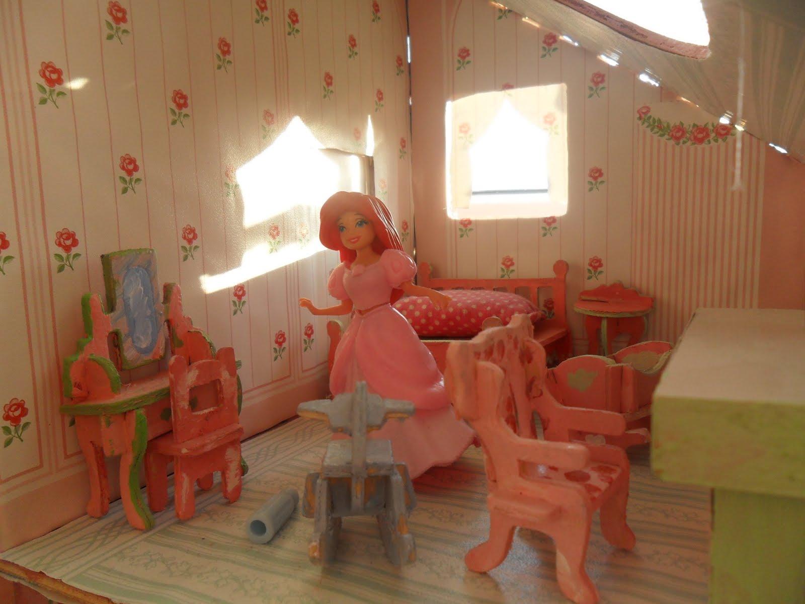 Puppenhaus Ziegel Tapete : im Kinderzimmer: 4) Puppenhaus-M?bel selber gemacht