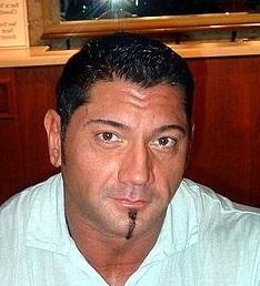 Batista mide 1,93 metros.