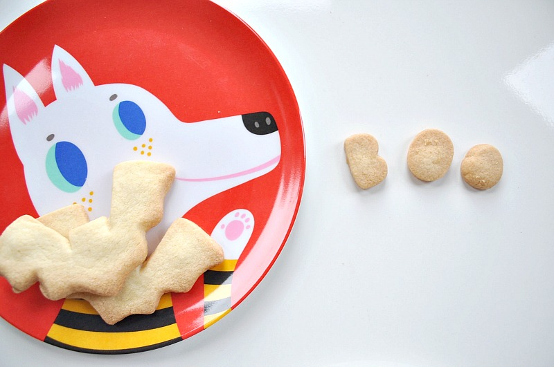 Butter Boo Biscuit and cool plates from Helen Dardik