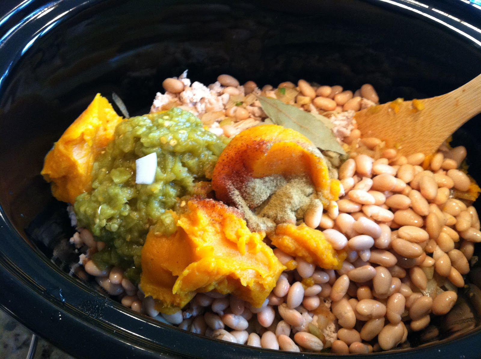 The Green Life: Crock Pot: Turkey White Bean Pumpkin Chili
