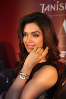 Deepika Padukone looks Ravishing in Black Gown at Tanishq Mew Collection