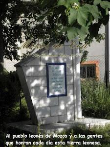 Monolito y placa en honor al pueblo de Mozos de Cea