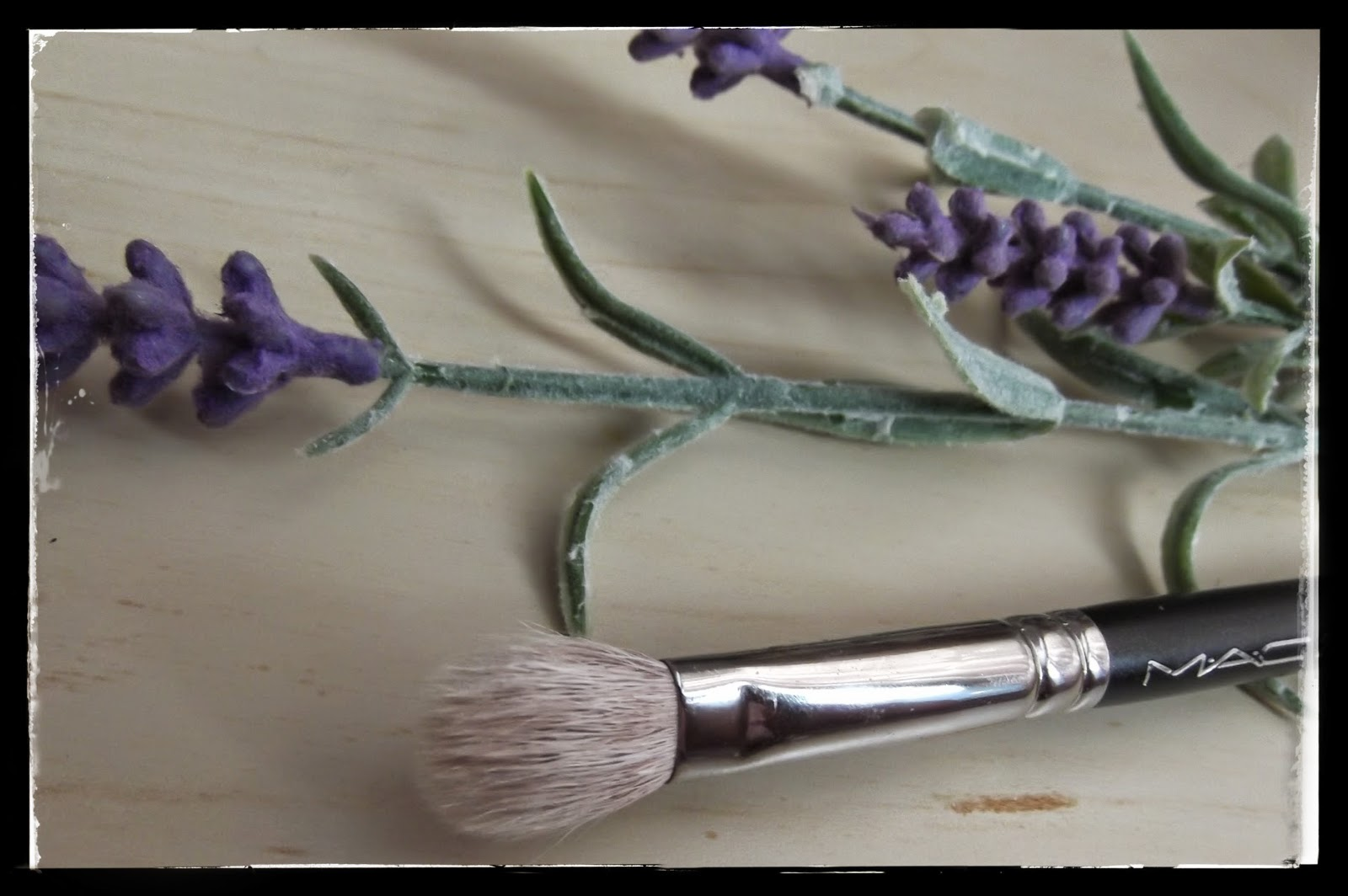 best eye-shadow blending brush
