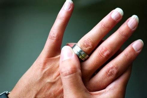 Dua Bulan Menikah, Istri Minta Cerai Karena Suami Dukung Assad