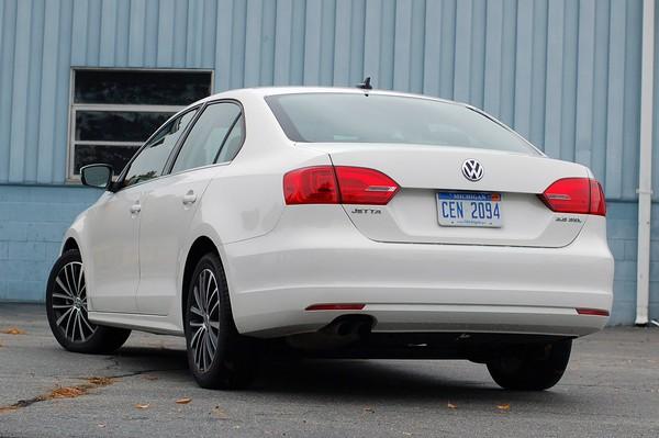 novo Volkswagen Jetta 2015 traseira