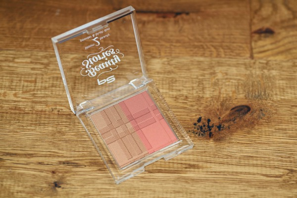 p2 beauty stories le - bloom 2 beauty powder & blush duo
