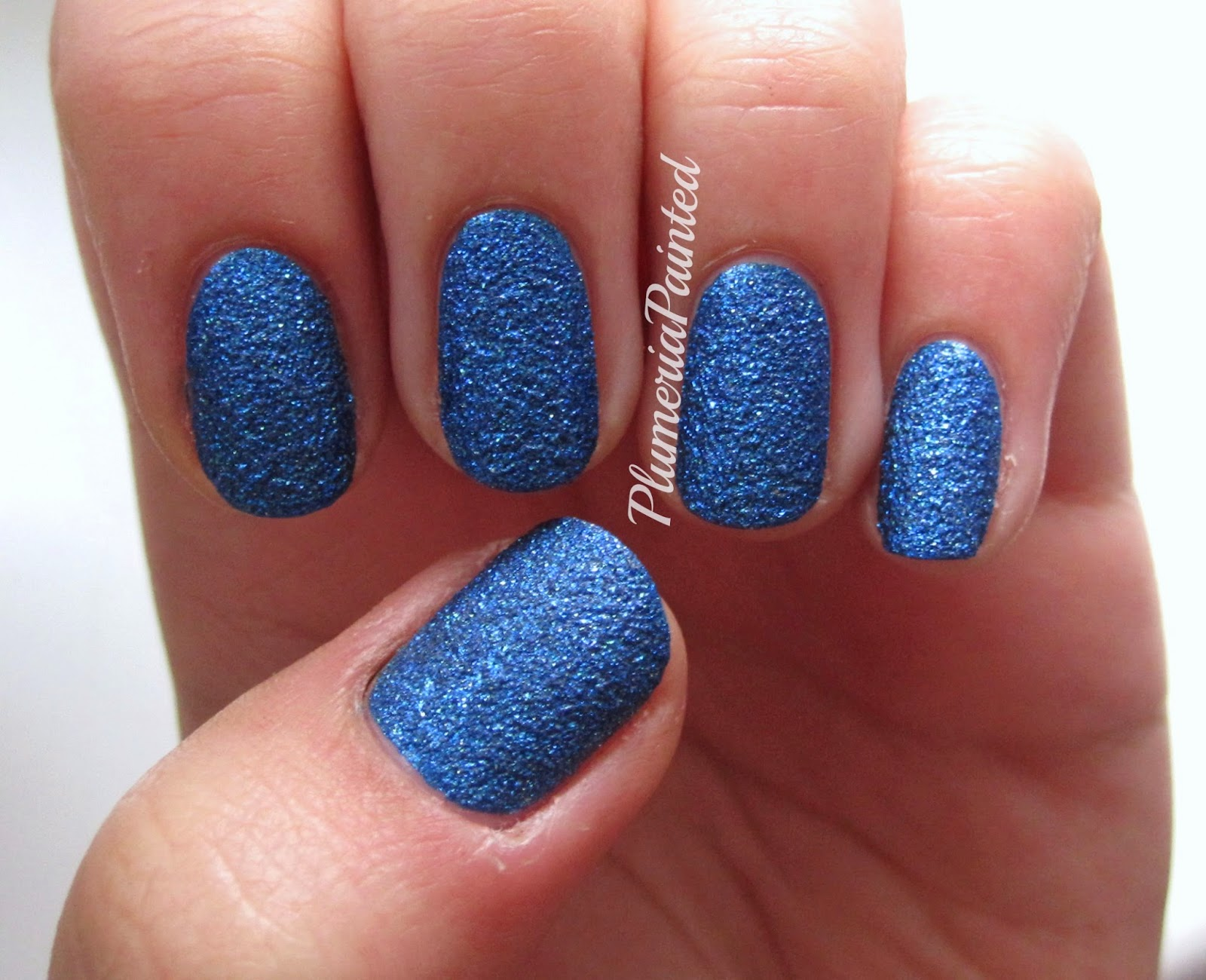 PlumeriaPainted: Blue Nails: Essie - Lots of Lux