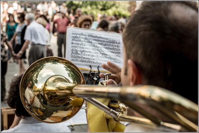 Barcelona: Músico interpretando en el Barrio Gótico