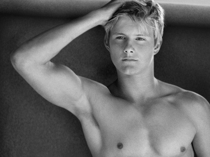 Alexander Ludwig Nude Josh Hutcherson Nude