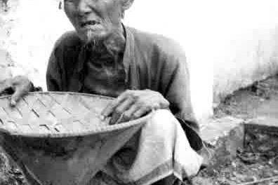 """Gus Dur """"Berikan Uangmu Pada Pengemis Itu, Allah Segera Mengganti"""""""