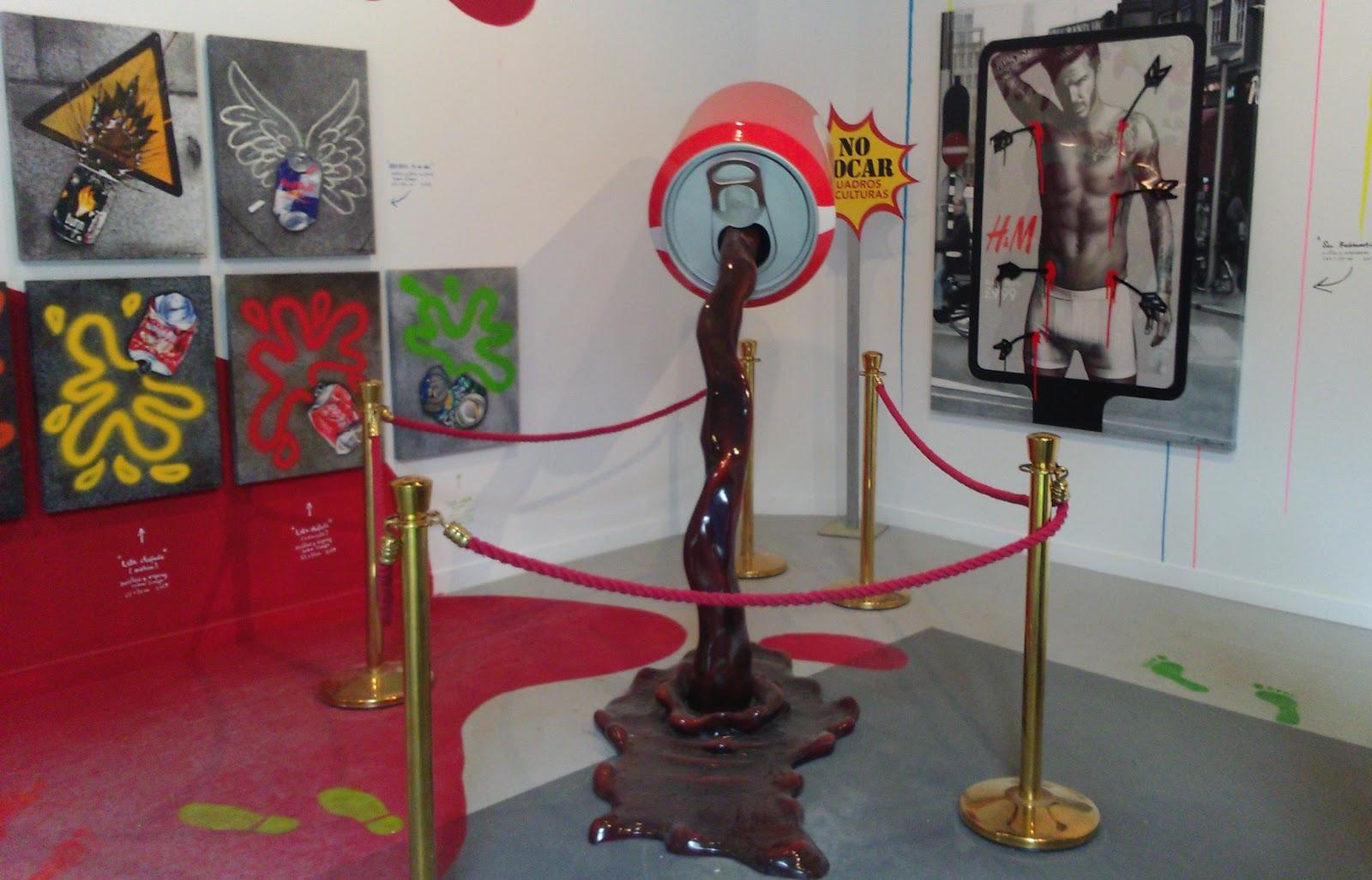 Escultura y cuadros de Antonio Felipe