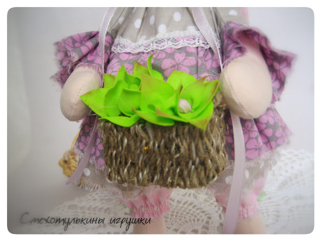 Зайка цветочница