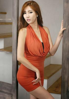 Shin Se Ha Sexy Model in Orange