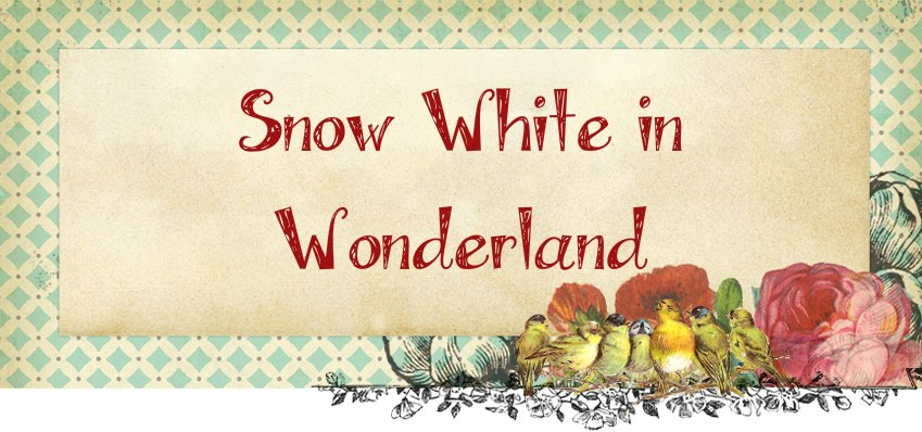 Snow White in Wonderland | Fashion and Style Blog