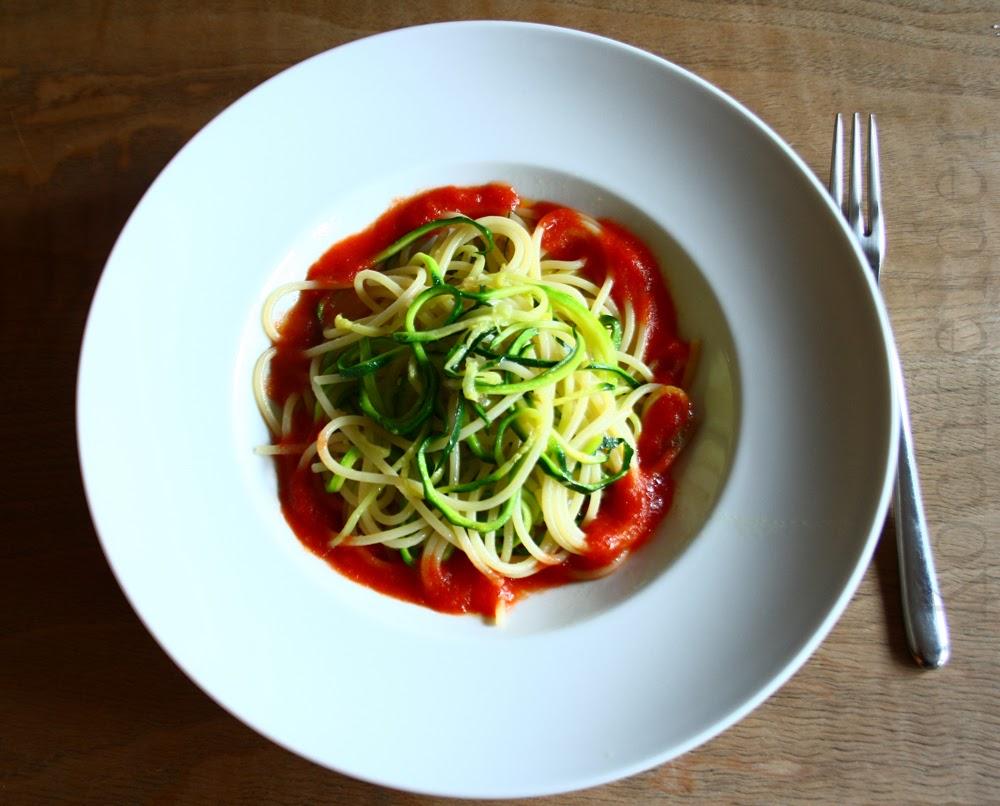 Im Test: Spiralschneider Gegen Hobel   Spaghetti Mit Zucchinispiralen