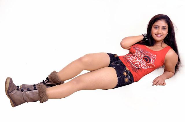 amrutha valli sizzling latest photos