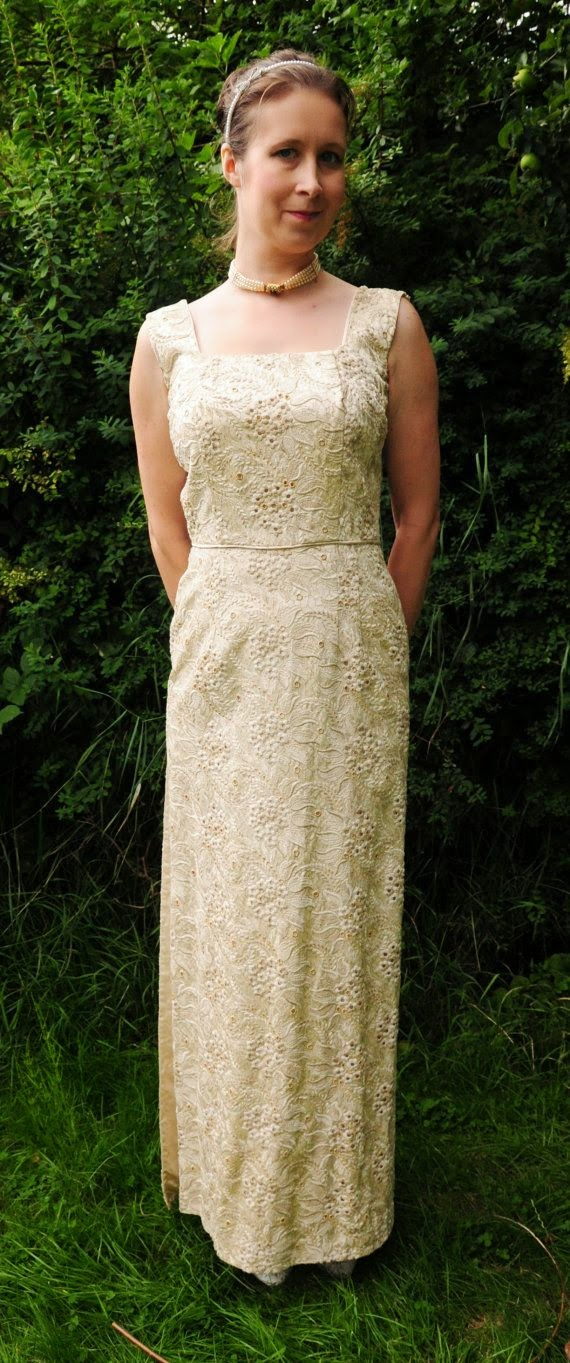 1950s Mad Men Style Gold Dress: Affordable Wedding Dresses - Gold
