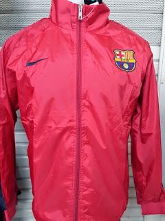 gambar jaket barcelona away warna merah, jaket parasut barca grade ori, jual online