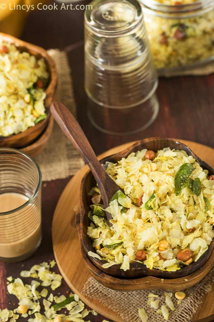 Poha chivda preparation