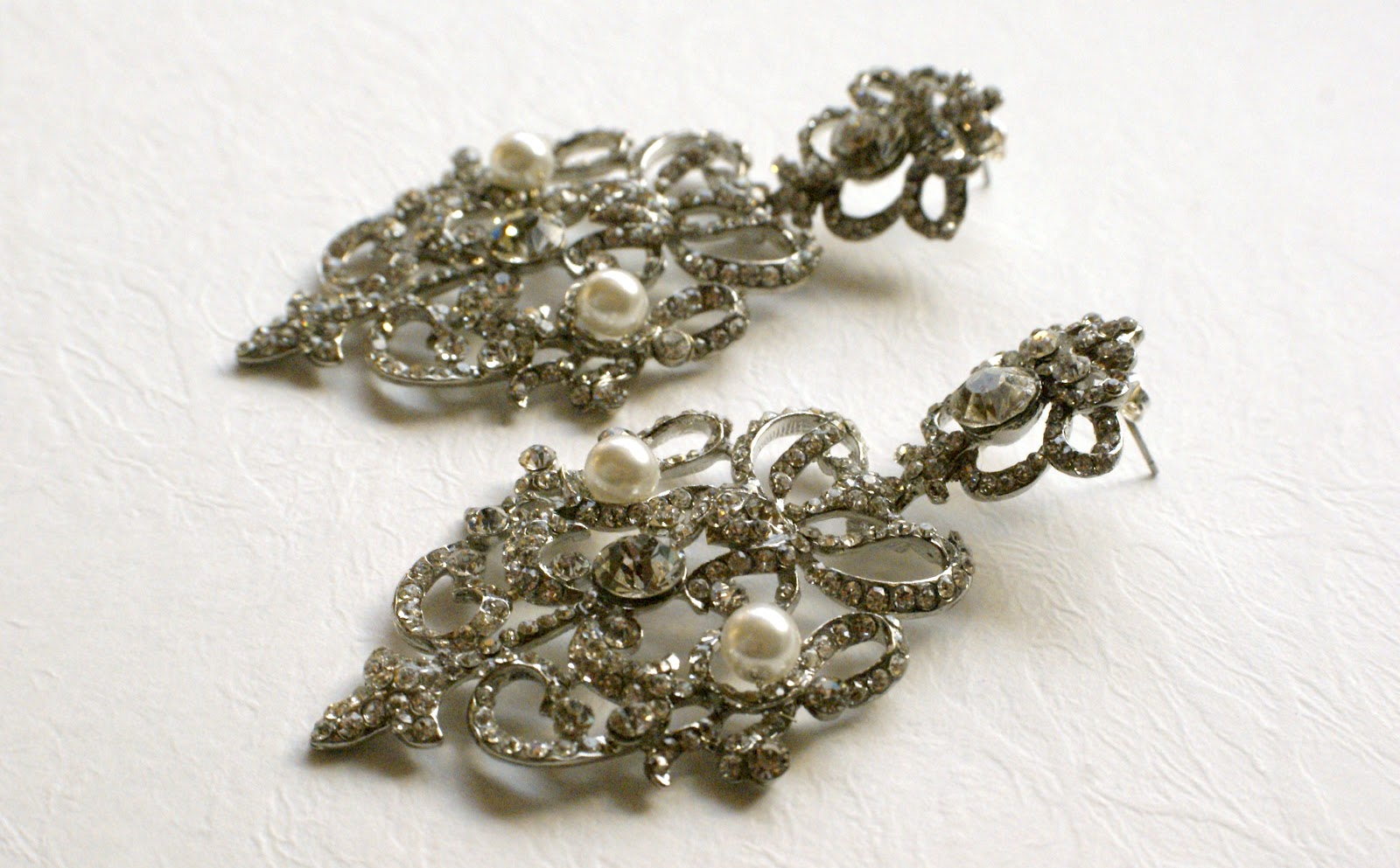 Exquisite Crystal Pearl Earrings Vintage Style Bridal Pearl Dangle Earrings