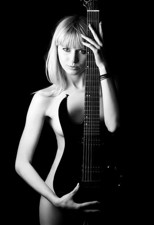 Девушки с гитарой эро порно