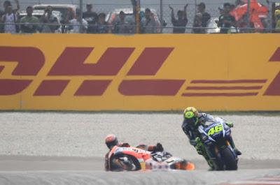 Honda Tak Kunjung Rilis Bukti Bahwa Rossi Tendang Marc Marquez