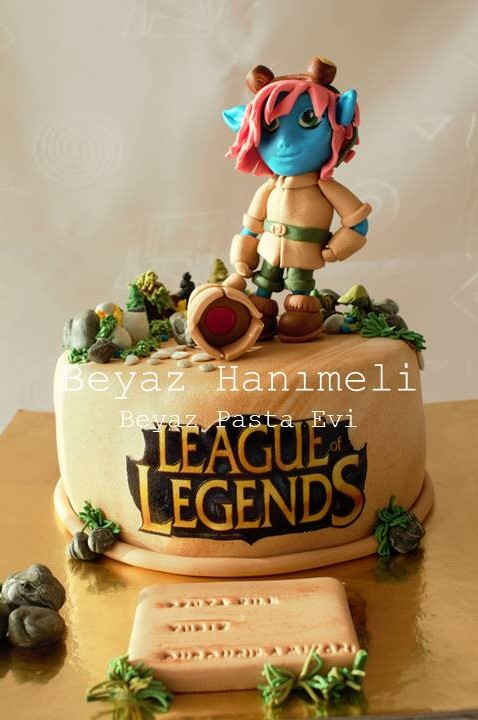 League of Legends Tristana Pastası