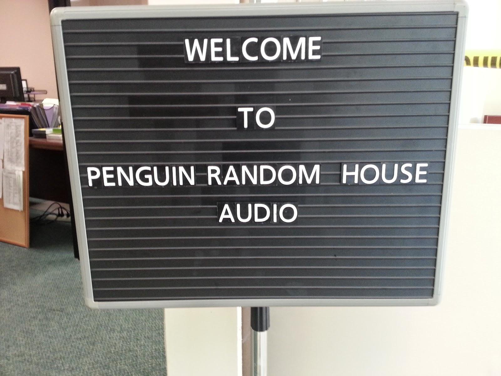 Penguim Random House, la più grande casa editrice del mondo, ha un forte commitment nei confronti degli audiobook. Nel 2013 ha lanciato una campagna pubblicitaria di grande affissioni in alcune città americane che non è passata inosservata.