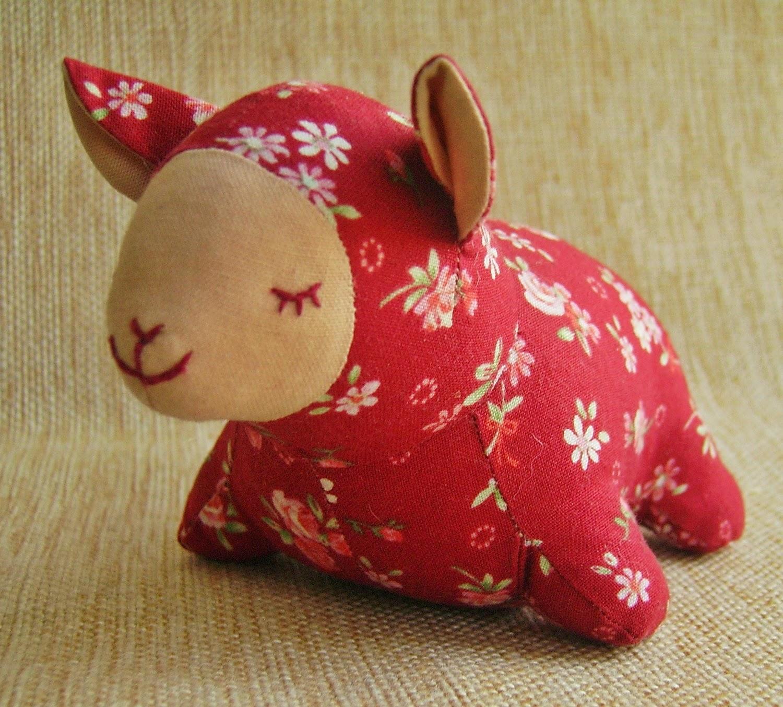 Цветочная овечка-сплюшка