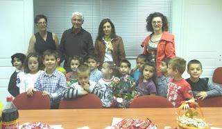 Μαθητές είπαν τα κάλαντα του Λαζάρου στον Δήμαρχο Θηβαίων