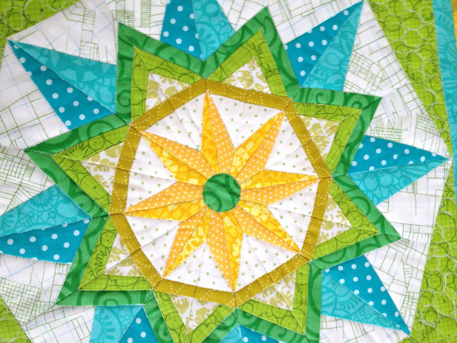 Craft Sew Create: Sun Star Mini Quilt