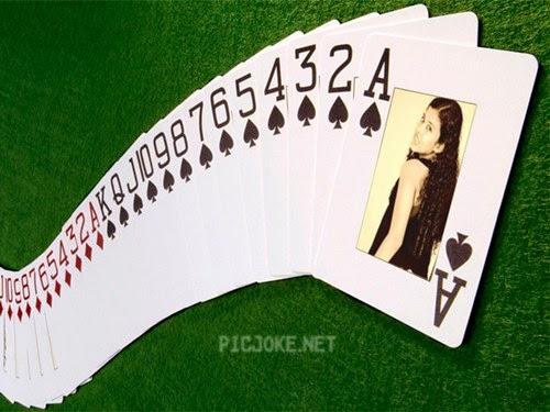Montagem de fotos no jogo de cartas