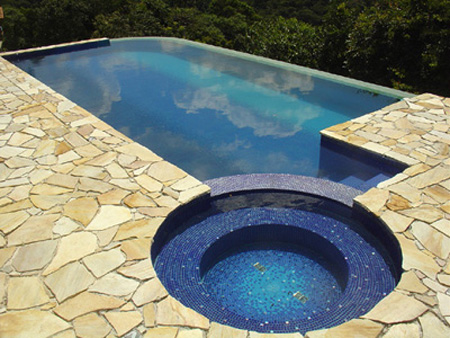 Alyne rodrigues tipos de piscinas for Construir piscina concreto