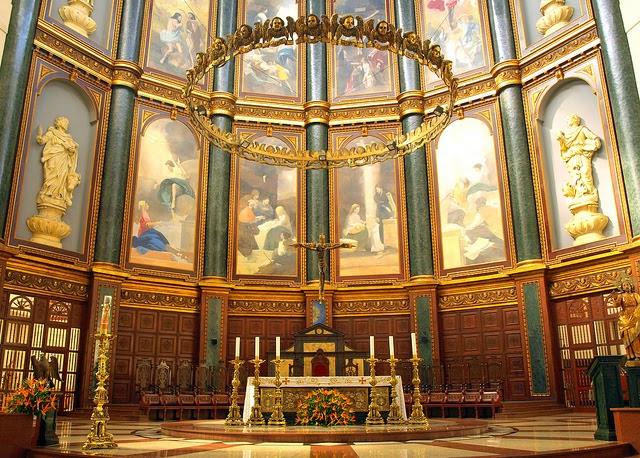 Arquitectura arte sacro y liturgia el crucifijo en el for Arquitectura sacro
