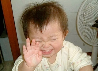 Funny picture: Chinese baby laughing