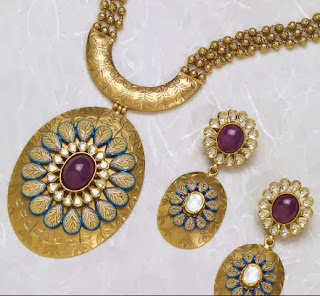 http://www.miranijewelers.com/necklaces.htm