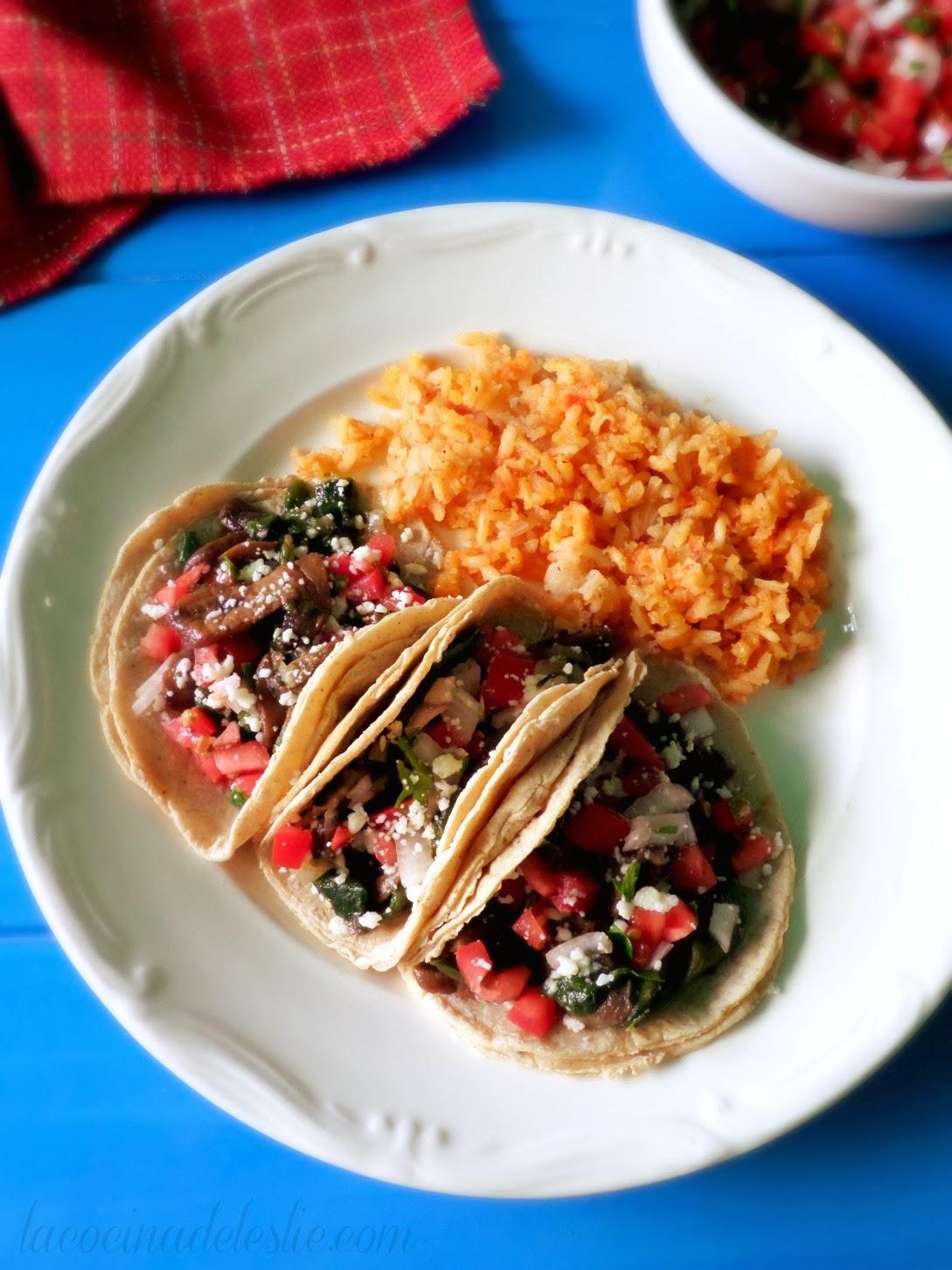 Meatless Mushroom Poblano Tacos - lacocinadeleslie.com