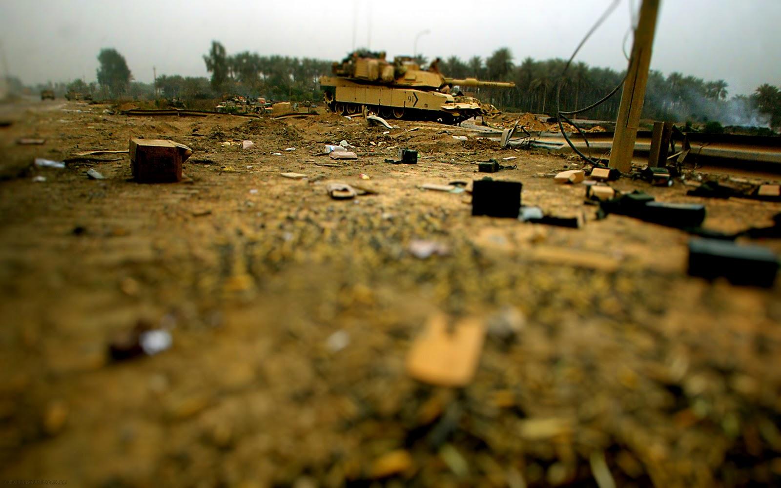 http://4.bp.blogspot.com/-LxEN6YNe2Uk/Tv-AIQDdzsI/AAAAAAAABPc/KFdzlGMF-eg/s1600/Guns+Wallpaper+%252842%2529.jpg