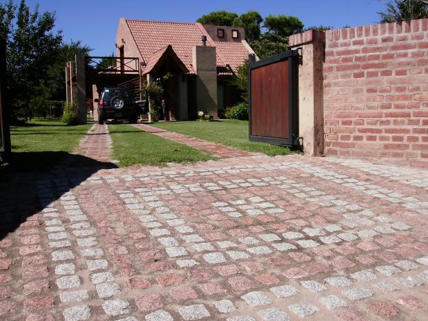 Nolersa ba os cocinas comedores living patios for Adoquines para jardin