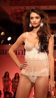 Madhur bhandarkar calendar girls fashion show photos