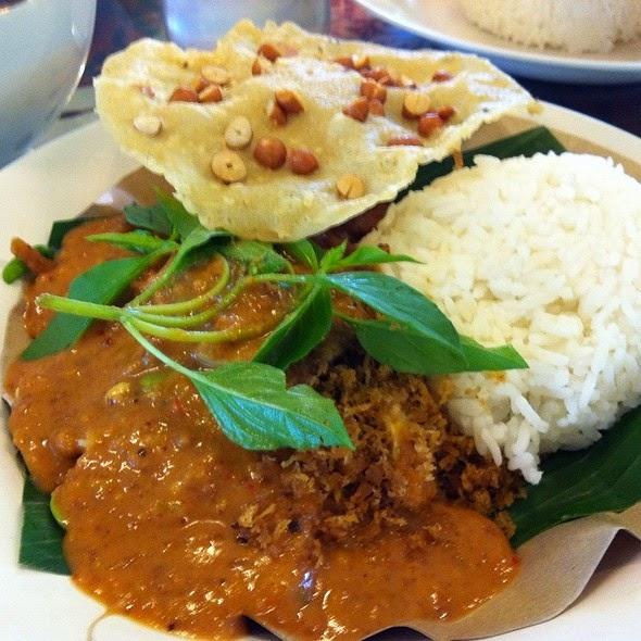 http://weresepmasakan.blogspot.com/2015/03/resep-nasi-pecel-enak-dan-pedas.html